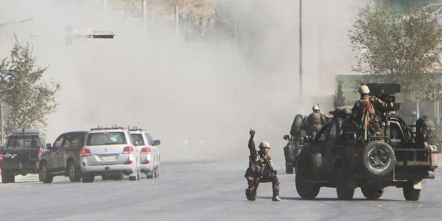 Taliban'dan Kandahar'da Karakollara Eş Zamanlı Saldırı!
