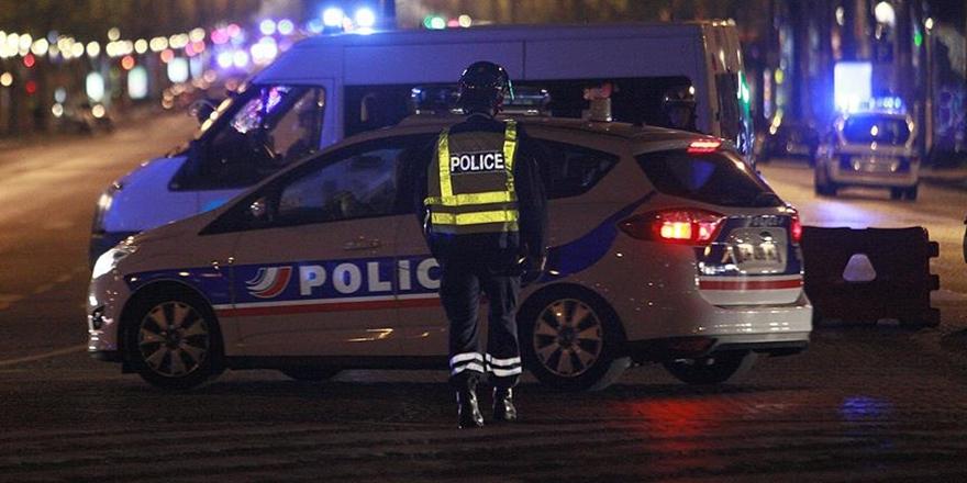 Paris'te Polis Memuru 3 Kişiyi Öldürdü
