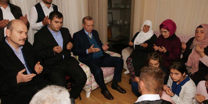 """Erdoğan: """"O Ne Der, Şu Ne Der?""""e Değil, """"Allah Ne Der?"""" Ona Bakalım!"""