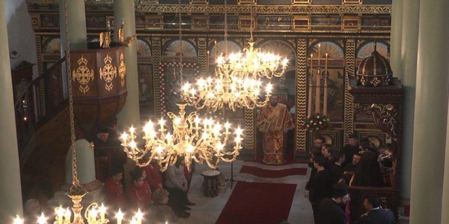 Aya Yorgi Kilisesi İbadete Açıldı, Ayasofya Beklemede!