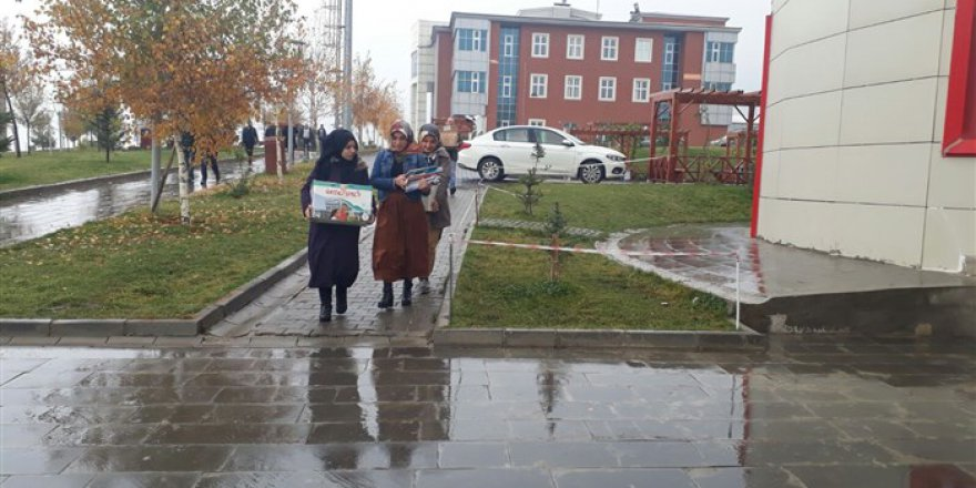 Hayırda Buluşanlar Topluluğu'ndan Maraş'a Kitap Yardımı