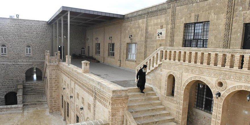 Mor Gabriel Manastırı'na Ait Kabristanın Tapusu İade Edildi