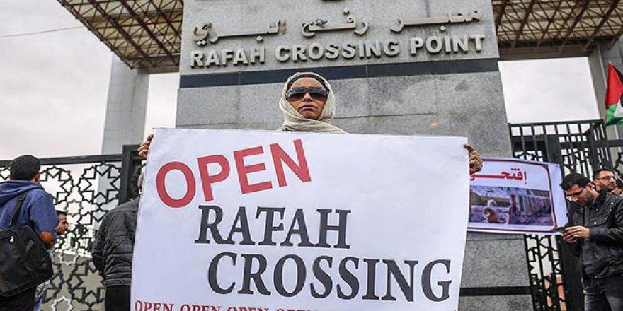 Refah'ın Sürekli Açık Kalması Talebiyle Gazze'de Gösteri