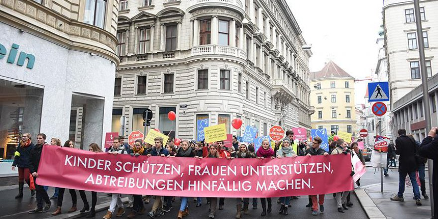 Avusturya'da Kürtaj Karşıtı Gösteri