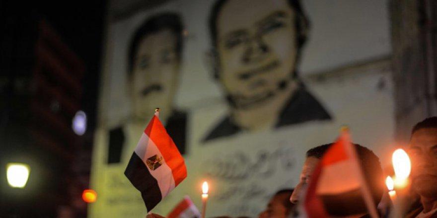 Sisi'ye Yalakalığı Müdüre Pahalıya Patladı