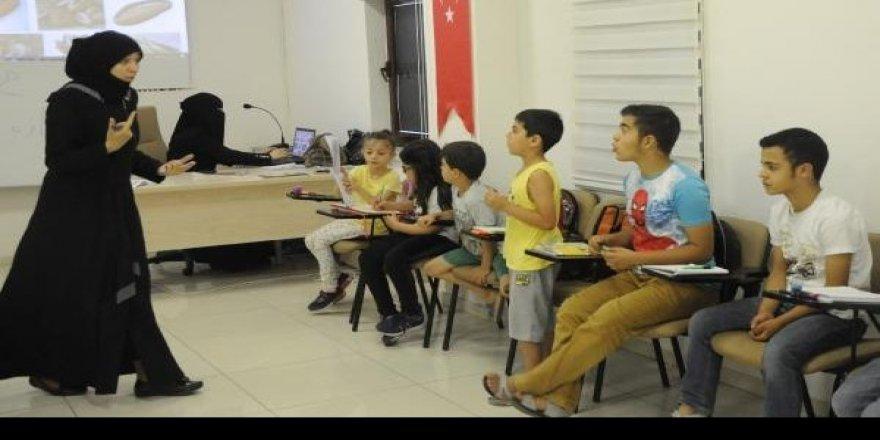 Entegrasyon İçin Okullara Suriyeli Tercüman Öğretmen