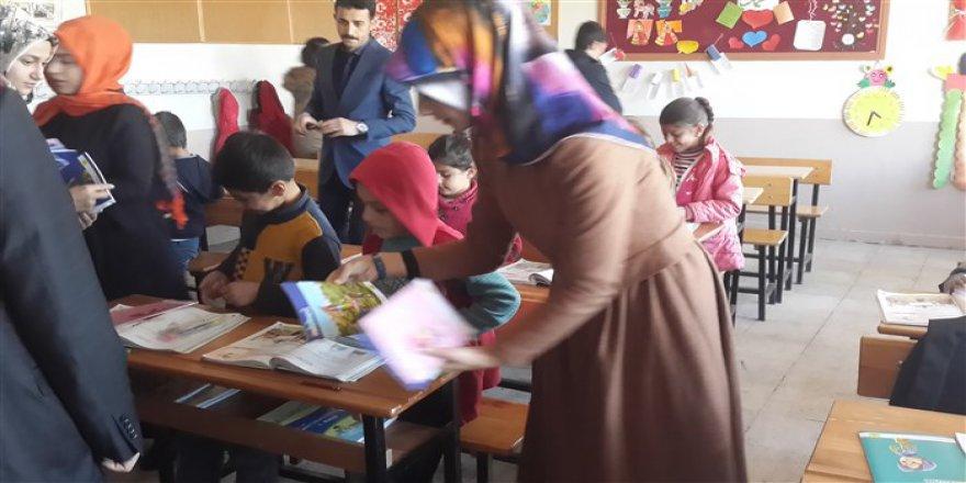 HBT'den Malazgirt ve Bulanık'taki Köy Okullarına Yardım