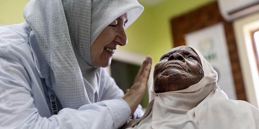 İHH 10 Yılda 100 Bin Katarakt Ameliyatı Gerçekleştirdi