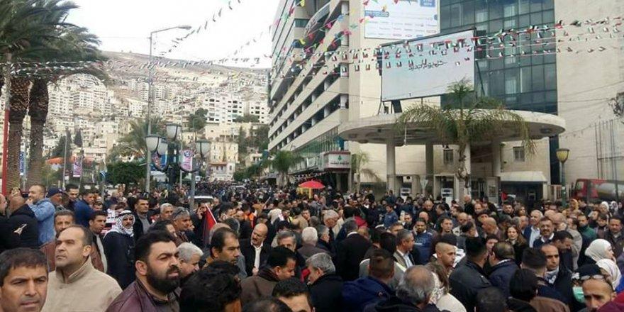 Kudüs ve Batı Şeria'da Protesto Yürüyüşleri Düzenlendi