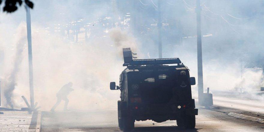 İşgal Güçleri, Mescid-i Aksa'da Cuma Sonrası Gerçek Mermilerle Saldırdı
