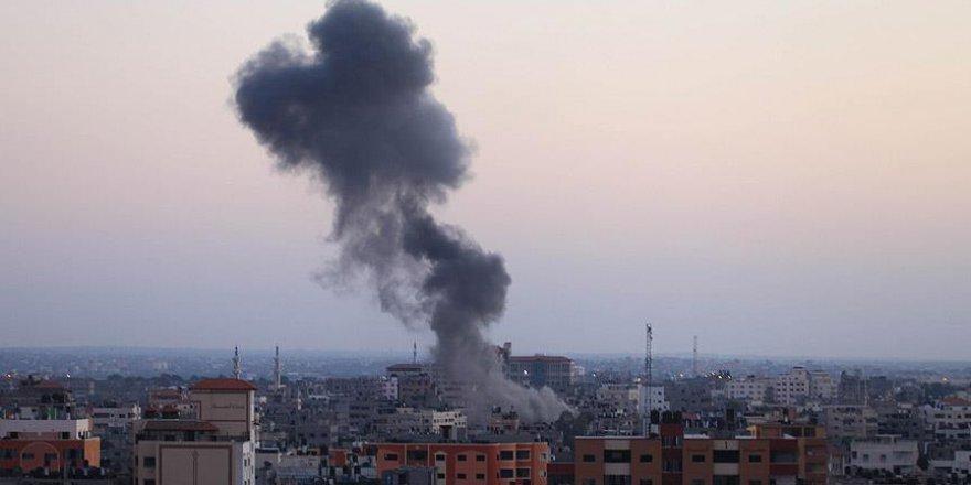 Siyonist İsrail'den Gazze'ye Saldırı: 15 Yaralı