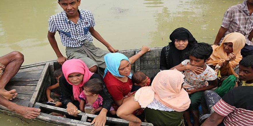 Bangladeş'e Sığınan Arakanlı Müslümanların Sayısı 650 Bine Yaklaştı