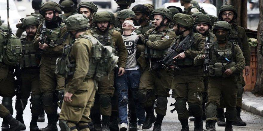 14 Yaşındaki Çocuk 24 Siyonist Askere Meydan Okudu!