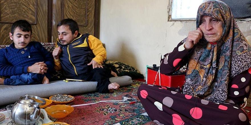 Kemikleri Eriyen Dört Suriyeli Çocuğun Tek Umudu Anneleri!