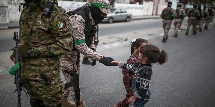 Hamas'ın 30'uncu Kuruluş Yıl Dönümünde Geçit Töreni