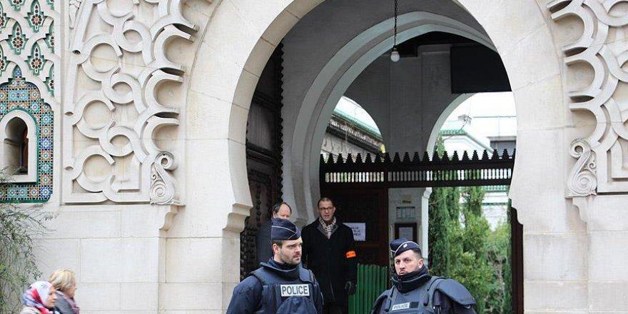 Fransa'da Bir Cami Daha Kapatıldı