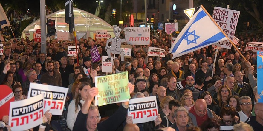 Tel Aviv'de İşgalci Netanyahu'ya Yolsuzluk Protestosu!