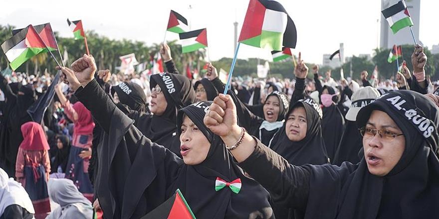 Endonezya'da On Binlerce Kişi Kudüs İçin Sokağa Çıktı!