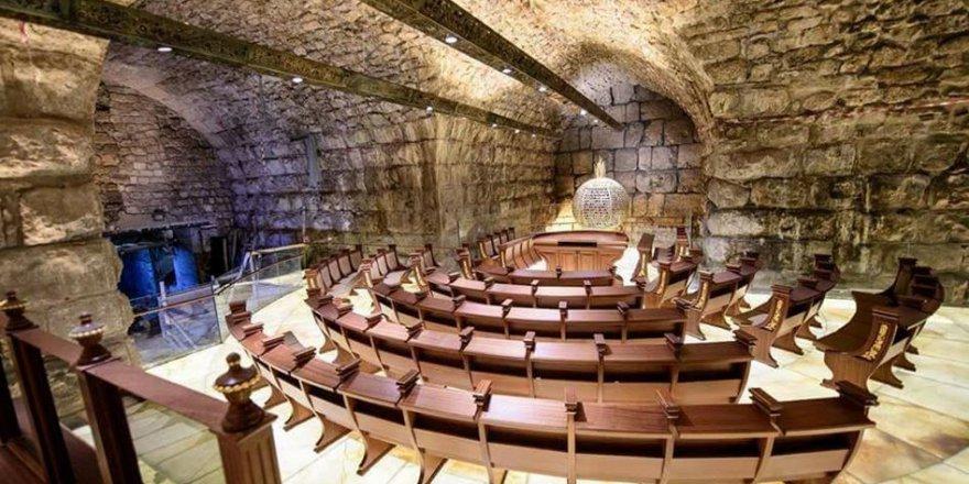 İşgal Rejimi Burak Duvarı Altına Sinagog Yaptı