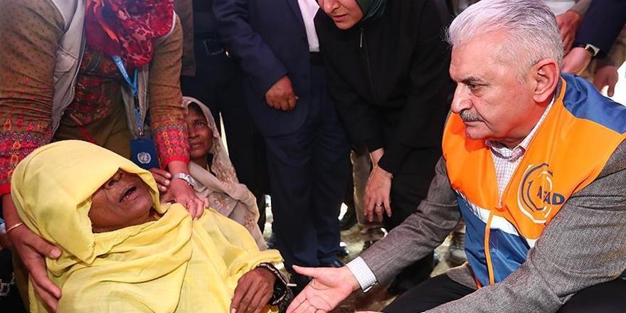 Başbakan Yıldırım Arakanlı Göçmenlerle Bir Araya Geldi