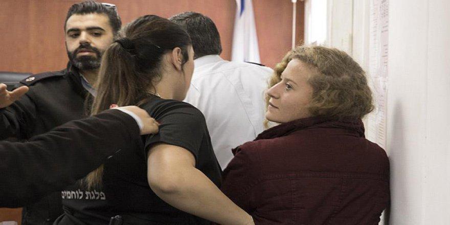 Filistin'in Cesur Kızı Ahed'in Gözaltı Süresi Uzatıldı