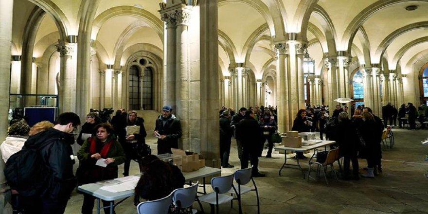 Katalonya'da Parlamento Seçimleri Yapılıyor