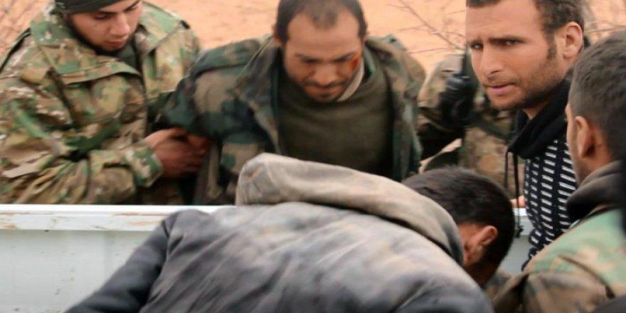 Muhalifler Esed'in 8 Askerini Esir Aldı