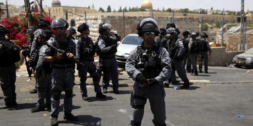 Siyonist İsrail Polisi İki Türkiyeliyi Gözaltına Aldı