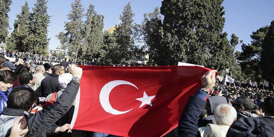 İsrail'in Gözaltına Aldığı 3 Türkiyeli Mahkemeye Çıkarılacak