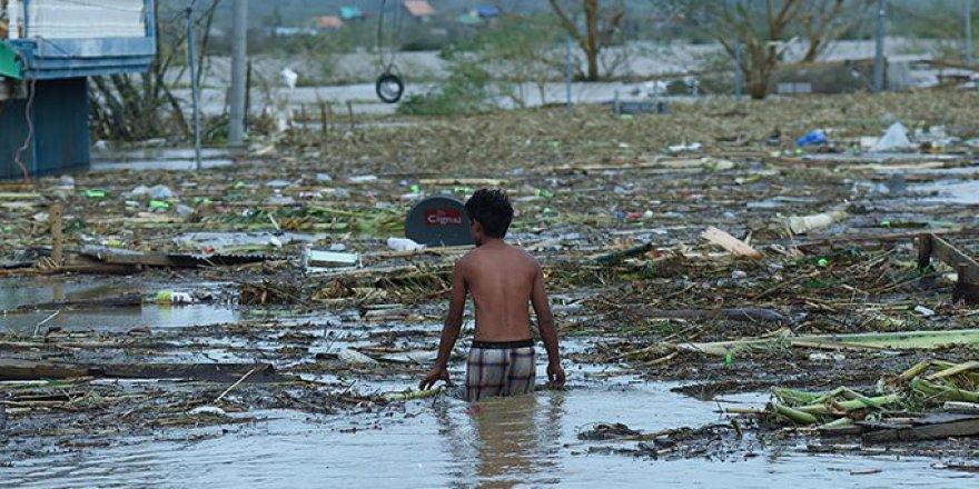 Filipinler'de Tayfun Felaketi: 90 Kişi Can Verdi