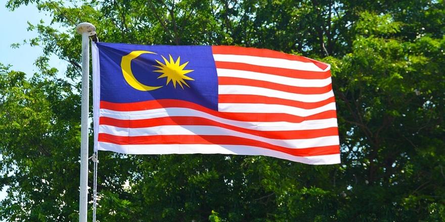 Malezyalılar Ülkelerinin Borcu İçin 9 Milyon Dolar Topladı