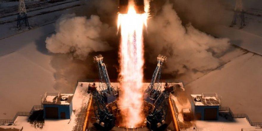 Rusya 45 Milyon Değerindeki Uyduyu Kaybetti