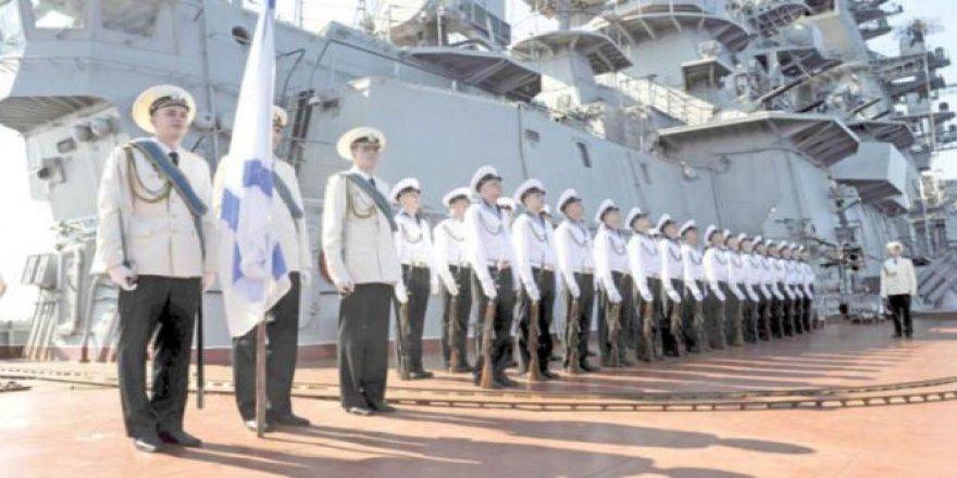 Putin: Suriye'de 48 Bin Rus Askeri Bulunuyor