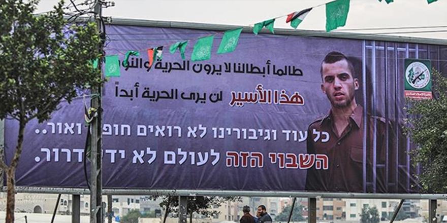 """""""Kahramanlarımıza Özgürlük Yoksa Askerinize de Yok"""""""