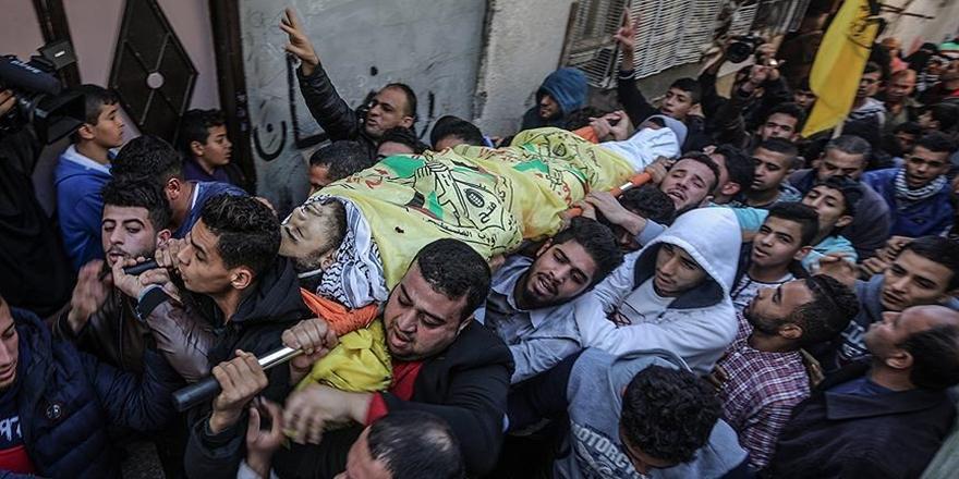 Gazze 20 Yaşındaki Şehidini Uğurladı!