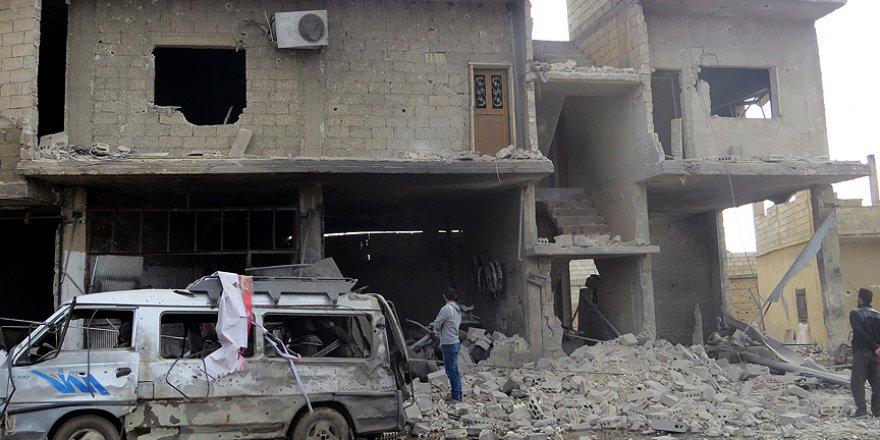Rejim Güçlerinin İdlib'e Yoğun Hava Saldırısında 9 Kişi Öldü