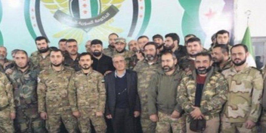 """Suriye'de Türkiye'nin Desteğiyle """"Milli Ordu"""" Kuruldu"""