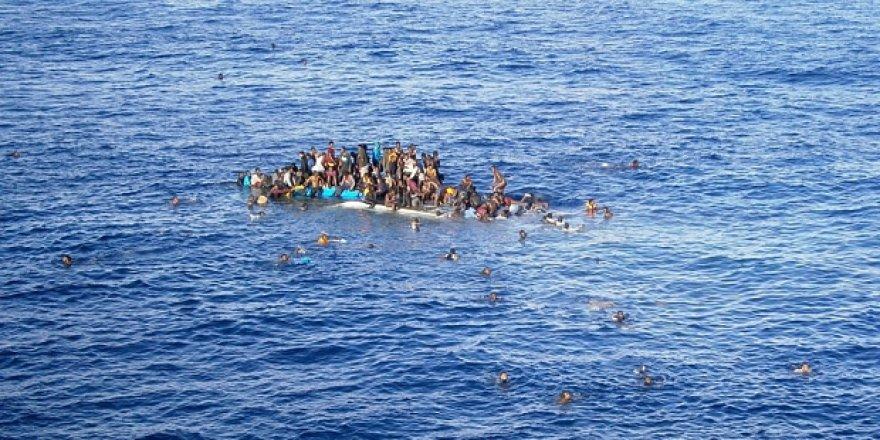 Akdeniz'de 64 Göçmen Boğularak Canverdi