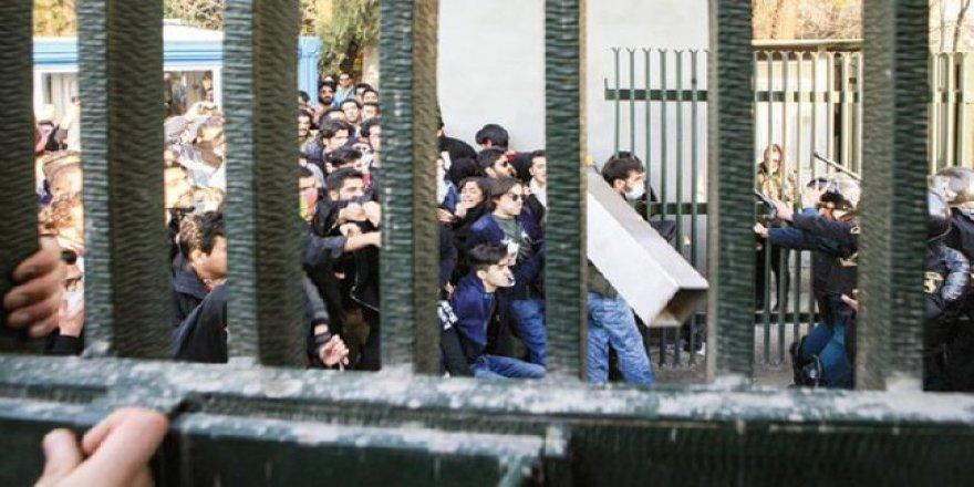 Olayların Önüne Geçemeyen İran'dan Protestoculara Tehdit ve Gözdağı