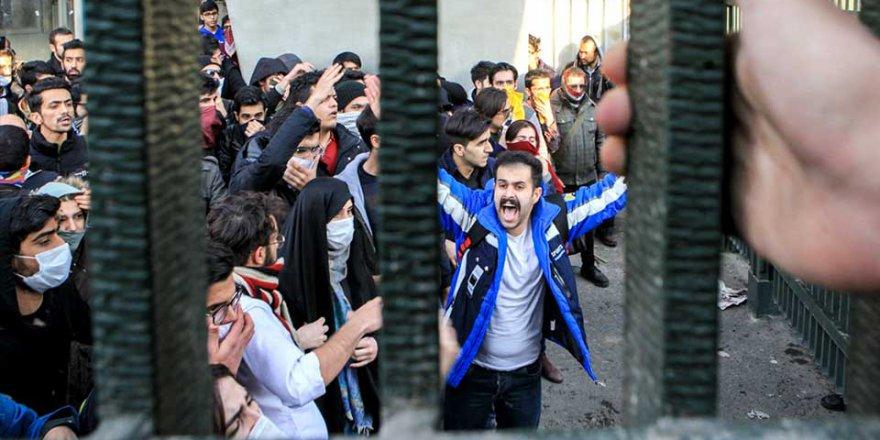 İran'daki Protestolarda 23 Kişi Hayatını Kaybetti