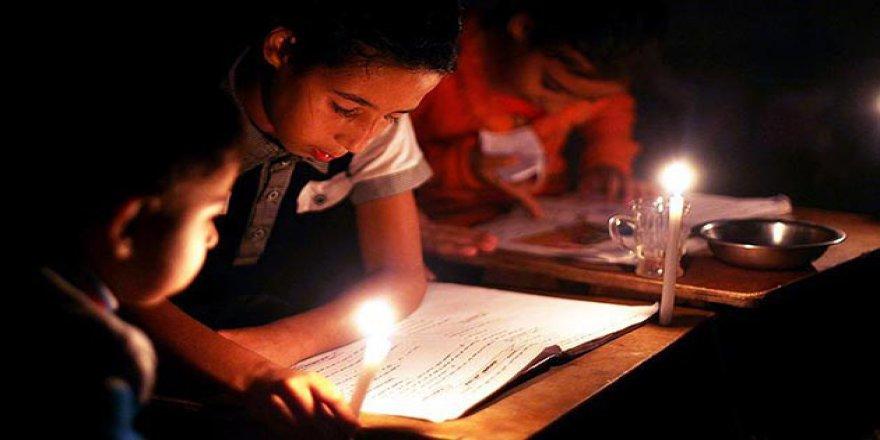 Abbas, Gazze'ye Elektrik Kesintisi Uygulamaktan Geri Adım Attı