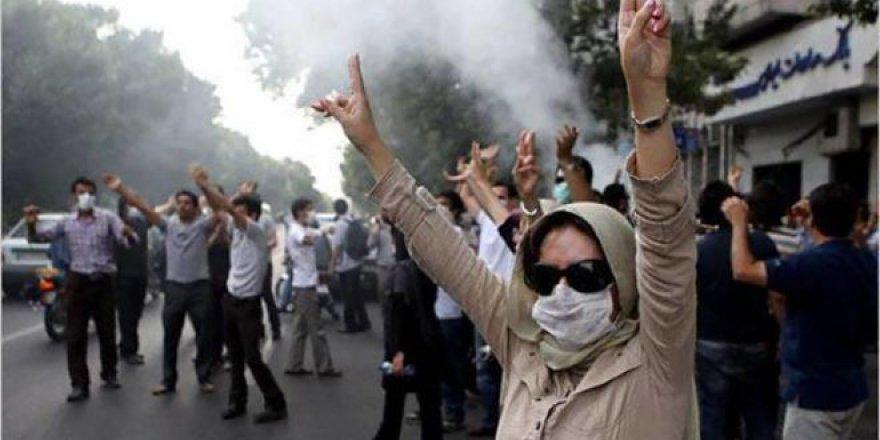 İran'da Değişim Beklentisinin İlk Kıpırtıları