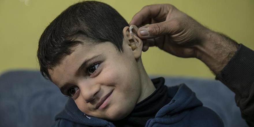 Suriyeli Ahmed İşitme Cihazına Kavuştu!