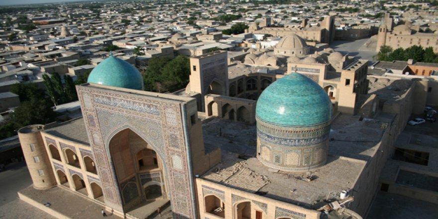 """İİT, Buhara'yı """"İslam Kültür Başkenti"""" İlan Etti"""