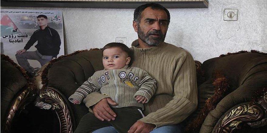 İşgalci İsrail Şehit Ettiği Filistinlinin Ailesinden Bir de Tazminat İstiyor!