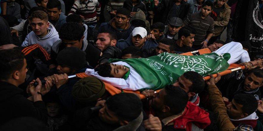 Filistin 2 Genç Şehidini Uğurladı