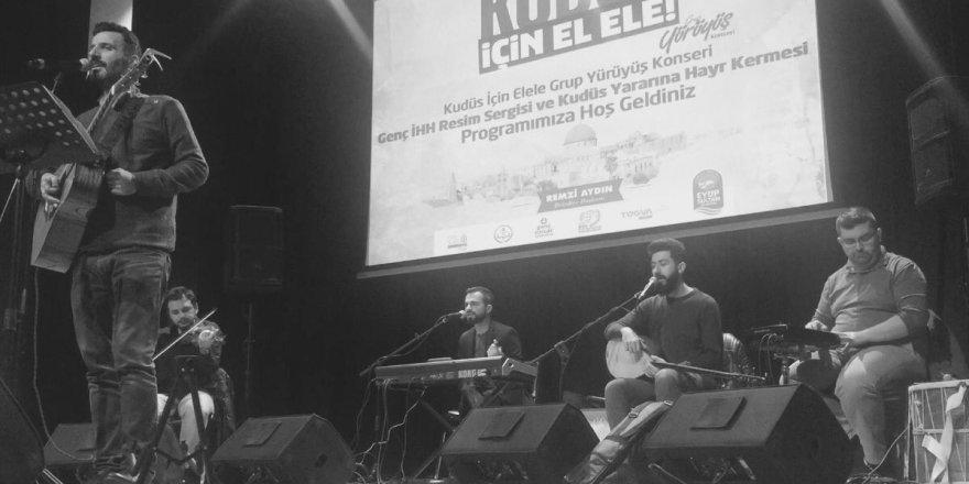 İHH'dan Eyüp'te Grup Yürüyüş'lü Kudüs Konseri