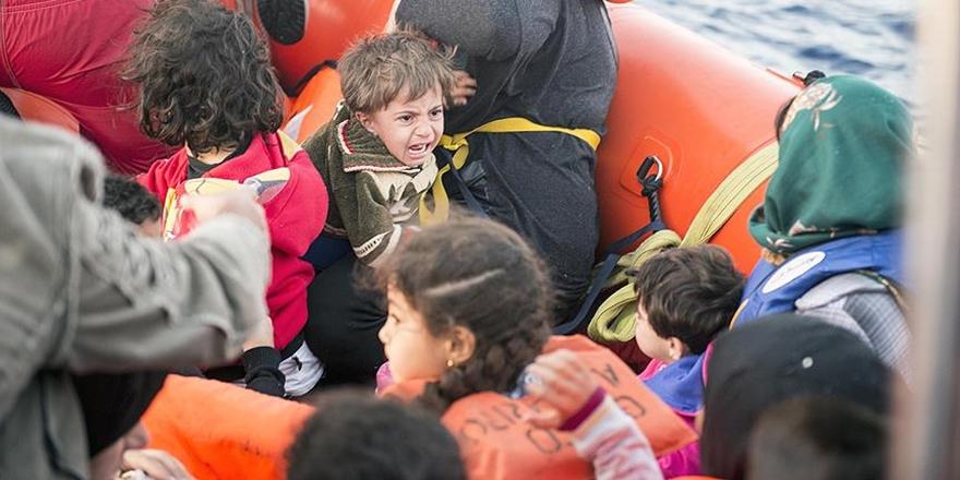 """""""Geçen Yıl 15 Binden Fazla Refakatsiz Çocuk İtalya'ya Geldi"""""""