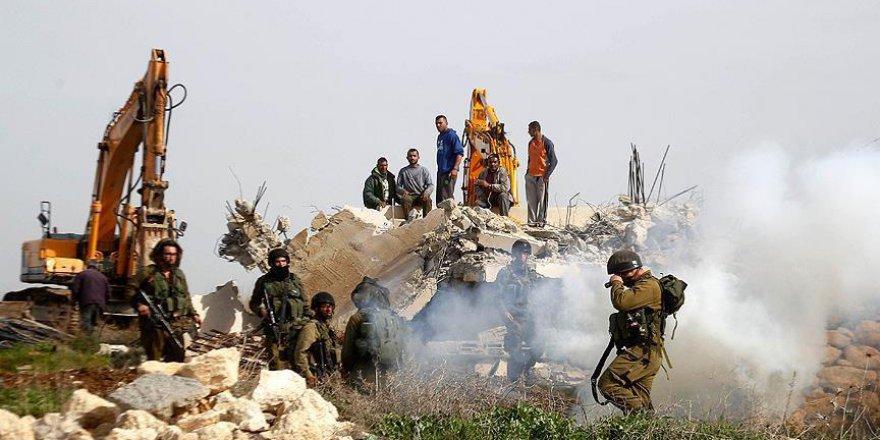 Siyonist Askerler Şehit Ettikleri Filistinli Gencin Evini Yıktı