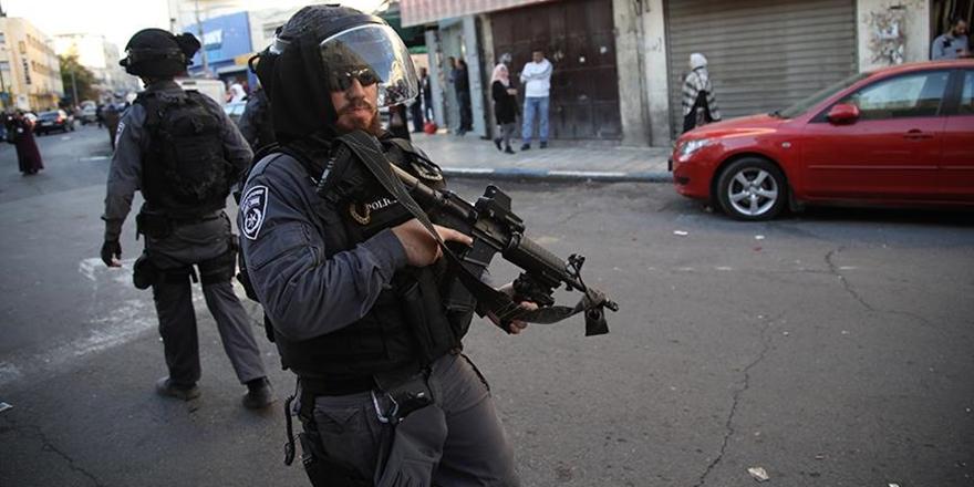 İşgalci İsrail Polisi Şeyh Kemal Hatib'i Gözaltına Aldı!